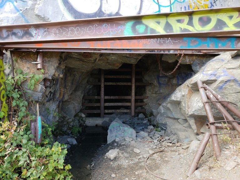 Big Horn Mine trail, Angeles National Forest