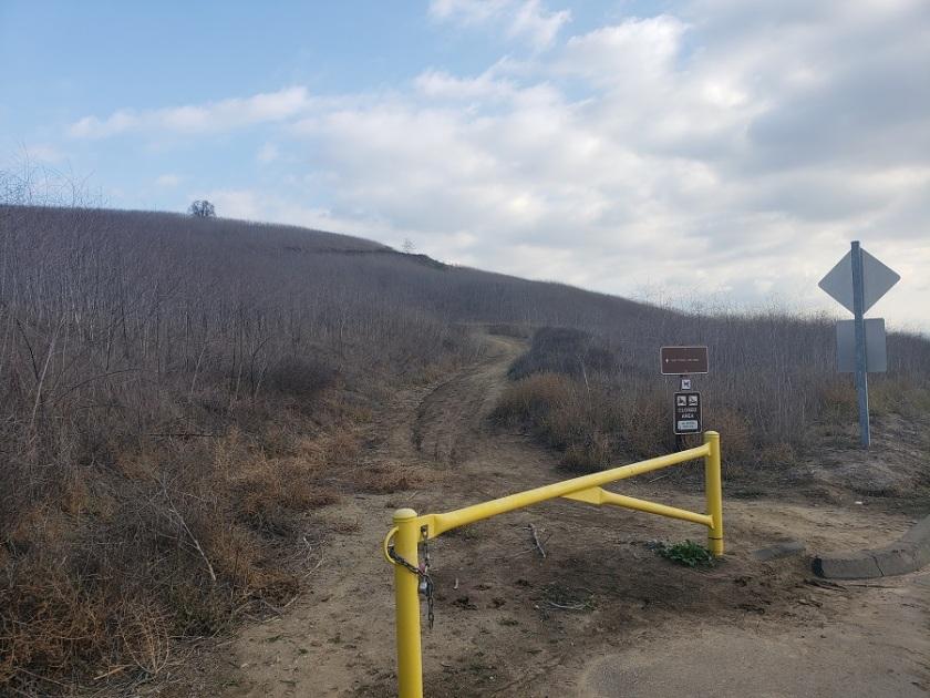 Fenceline Trail, Chino Hills State Park