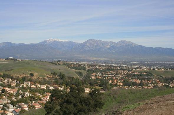 View of the San Gabriels from the top of the Ridgeview Loop