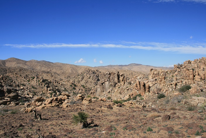 High desert geology on the way to Chaparrosa Peak