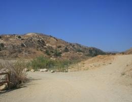 Trail junction, Michael Antonovich Regional Park